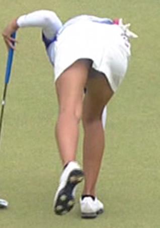 女子プロゴルファーパンチラ画像